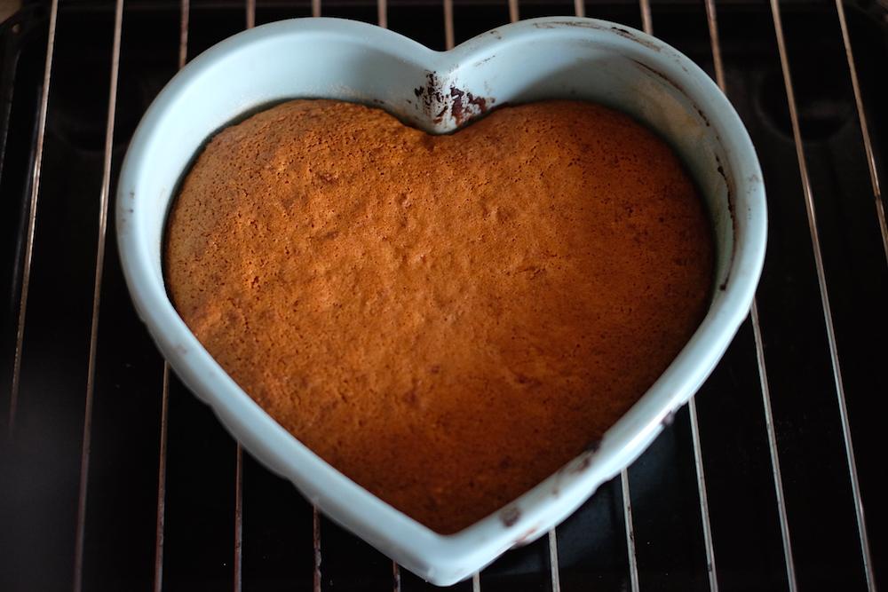 Cottura torta con scarti estrattore