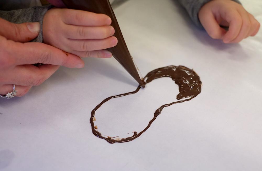 Dolci di carnevale: creazione maschera cioccolato